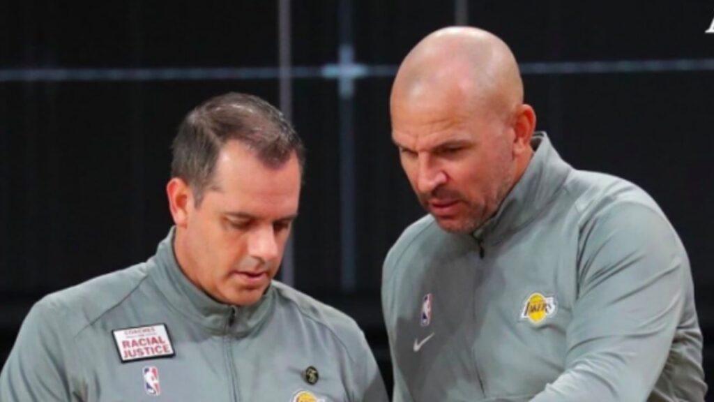 Jason Kidd ayudando a Frank Vogel en los Lakers